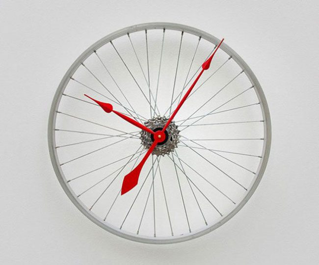 funny-clever-alternatives-every-day-objects-clock
