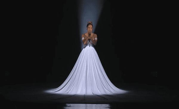 "Jennifer Lopez ""Feel The Light"""