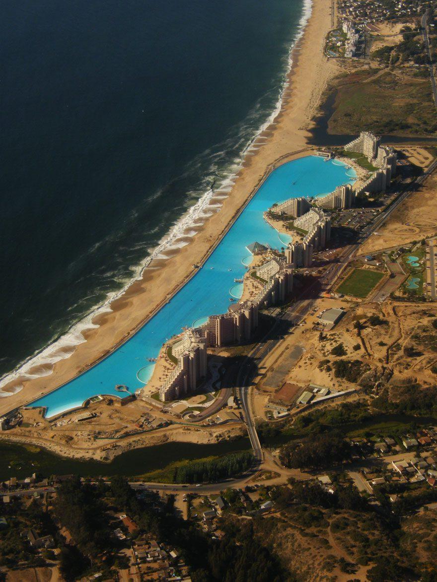 cool-private-resort-swimming-pool-tourist