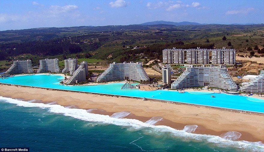 cool-beach-artificial-pool-giant-beach-hotel