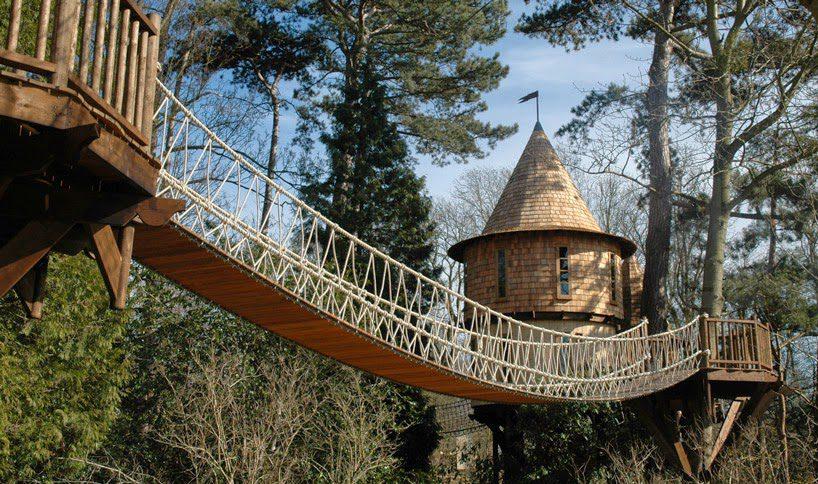 Castlelike treehouse 2
