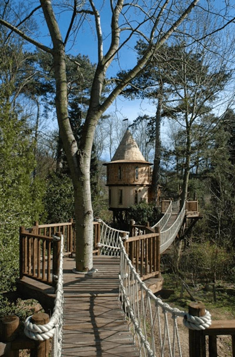 Castlelike treehouse 7