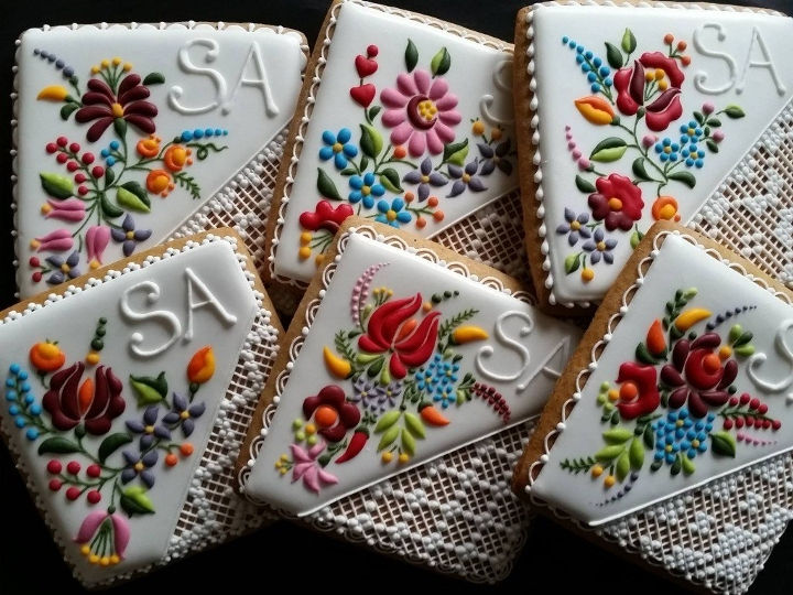 embroidery cookies 1