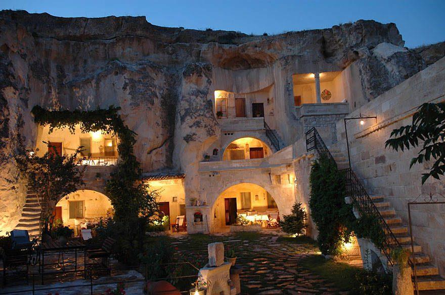mythical hotels 25