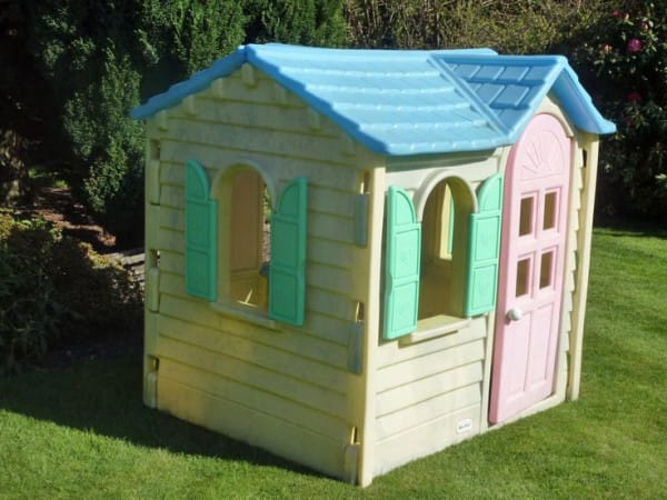 old playhouse upcycled 1