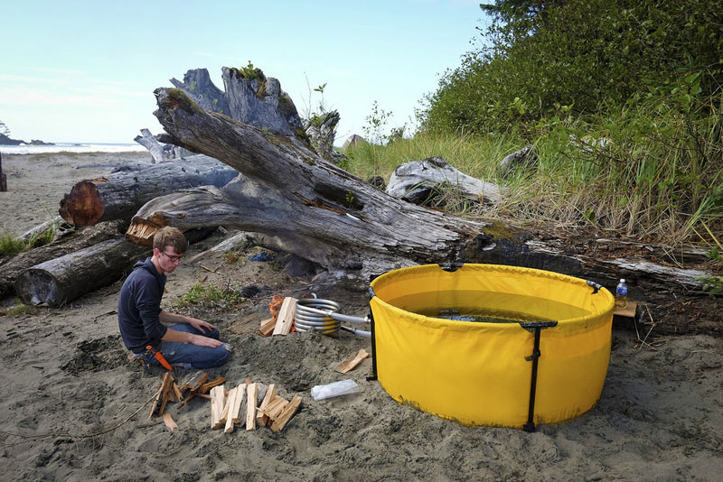 portable camping device 1