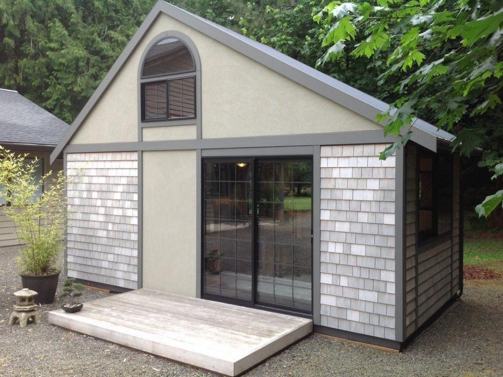 tiny hut 1