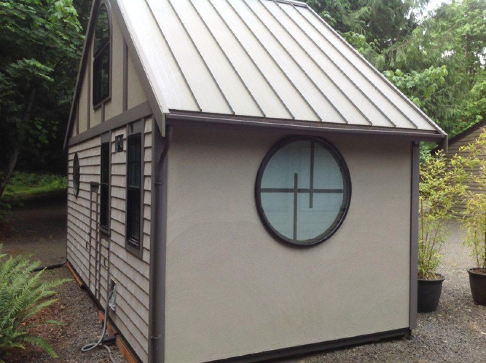 tiny hut 10