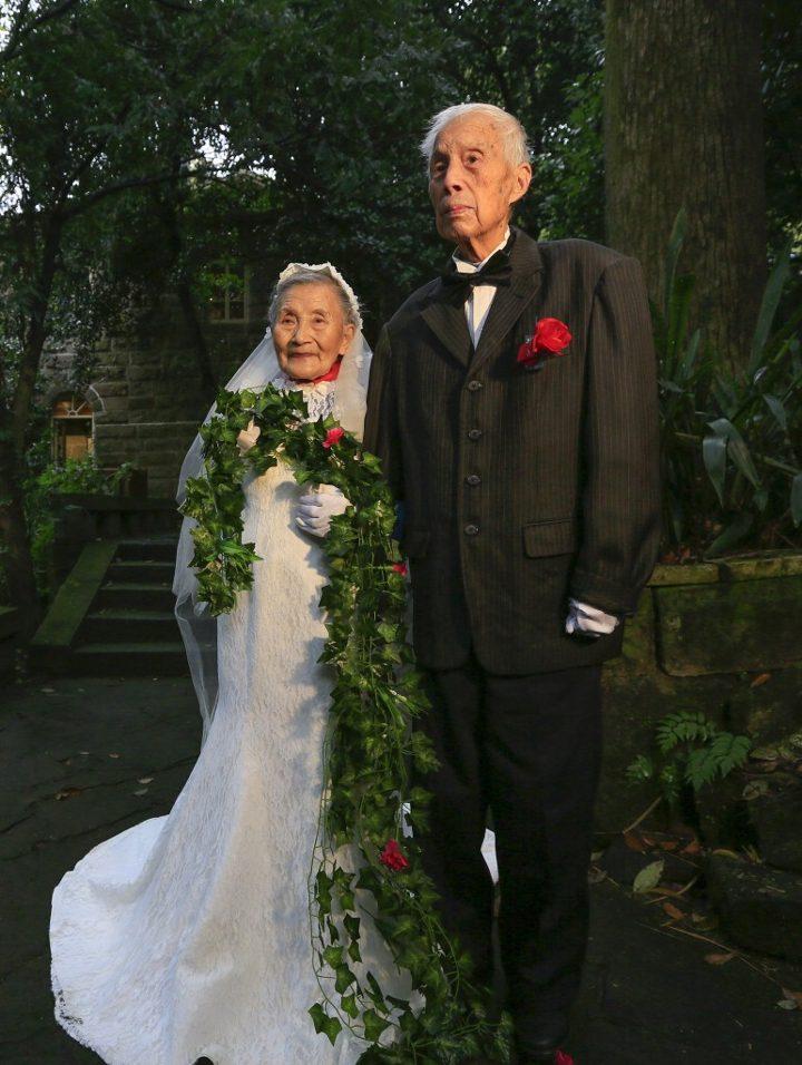 mark old couple cute wedding 2