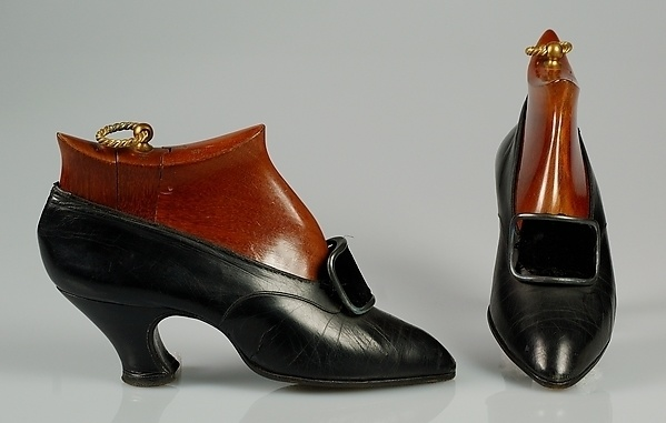 history of shoes from the metropolitan 11