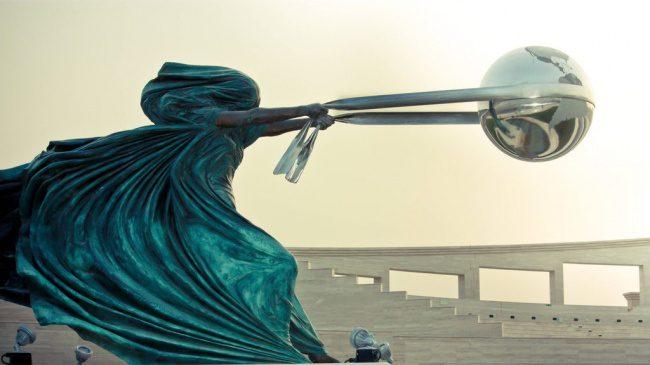 modern sculptures 1