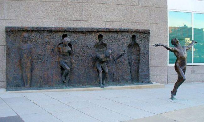 modern sculptures 8