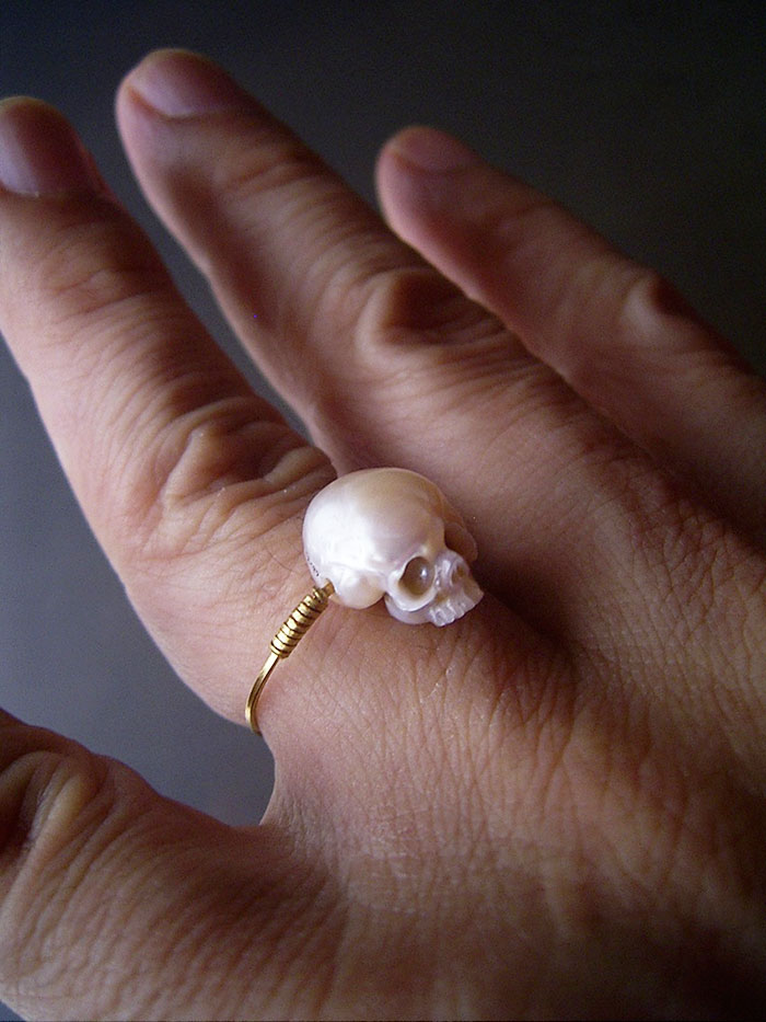 artist carves pearls into skull 10