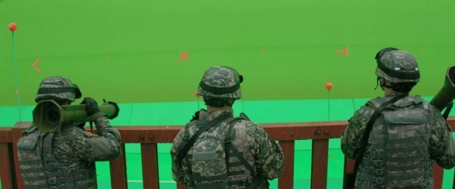 behind-the-scenes from movie sets photos 9