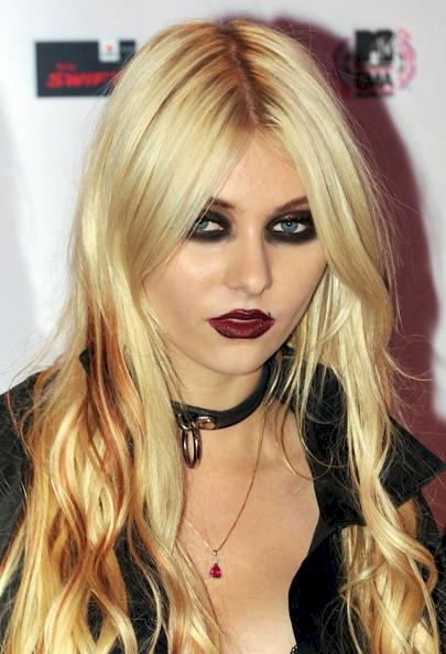 celebrities without their signature look 10