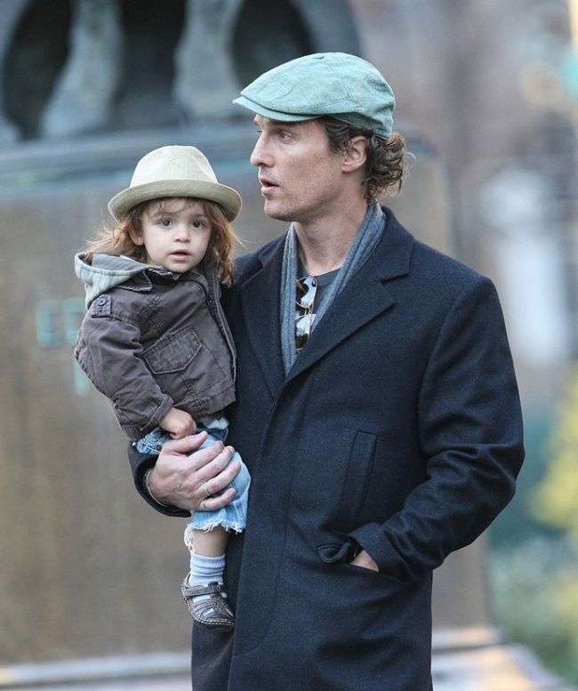 famous dads with their babies 6