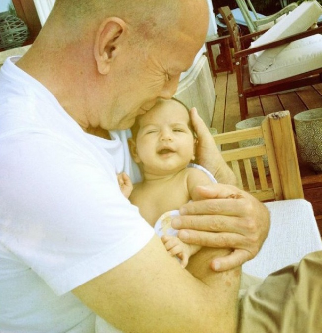 famous dads with their babies 8
