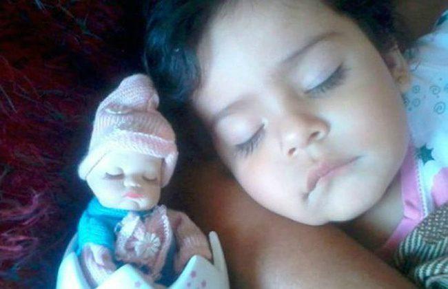 babies and look alike dolls 18