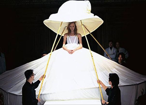 bizarre wedding dresses ever 10