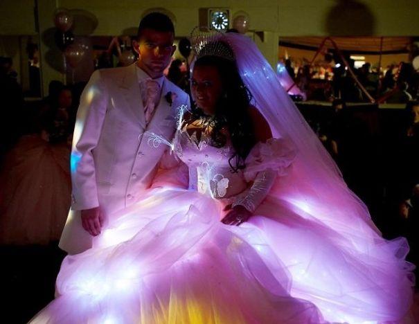 bizarre wedding dresses ever 8