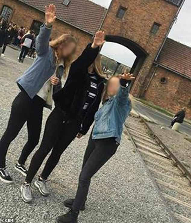 polish teens nazi salute